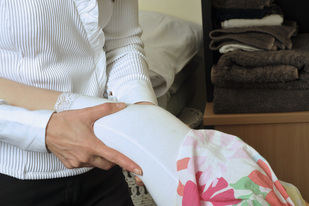 Gentle hands-on osteopathic treatment_Kew Osteopathic Clinic